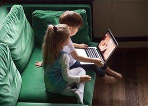 children watching youtube